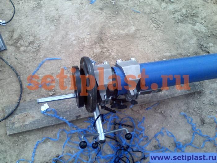 Ответный фланец на трубе ПНД 110 мм