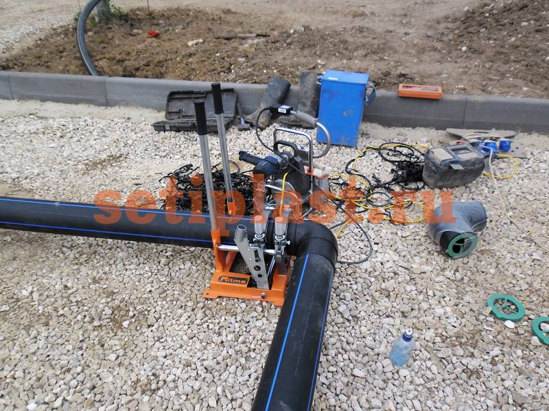 Стык трубы ПНД 160 мм